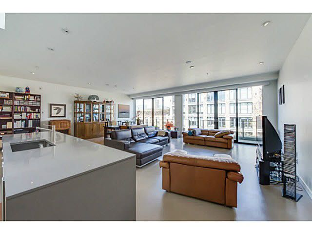 """Main Photo: 604 12 WATER Street in Vancouver: Downtown VW Condo for sale in """"WATER STREET GARAGE"""" (Vancouver West)  : MLS®# V1119497"""