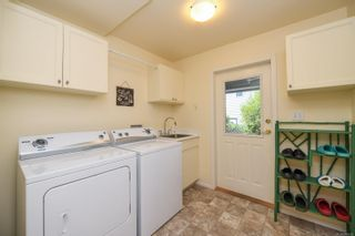 Photo 48: 1003 Kingsley Cres in : CV Comox (Town of) House for sale (Comox Valley)  : MLS®# 886032