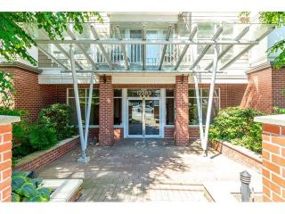 """Photo 2: 417 12283 224 Street in Maple Ridge: West Central Condo for sale in """"THE MAXX"""" : MLS®# R2436038"""