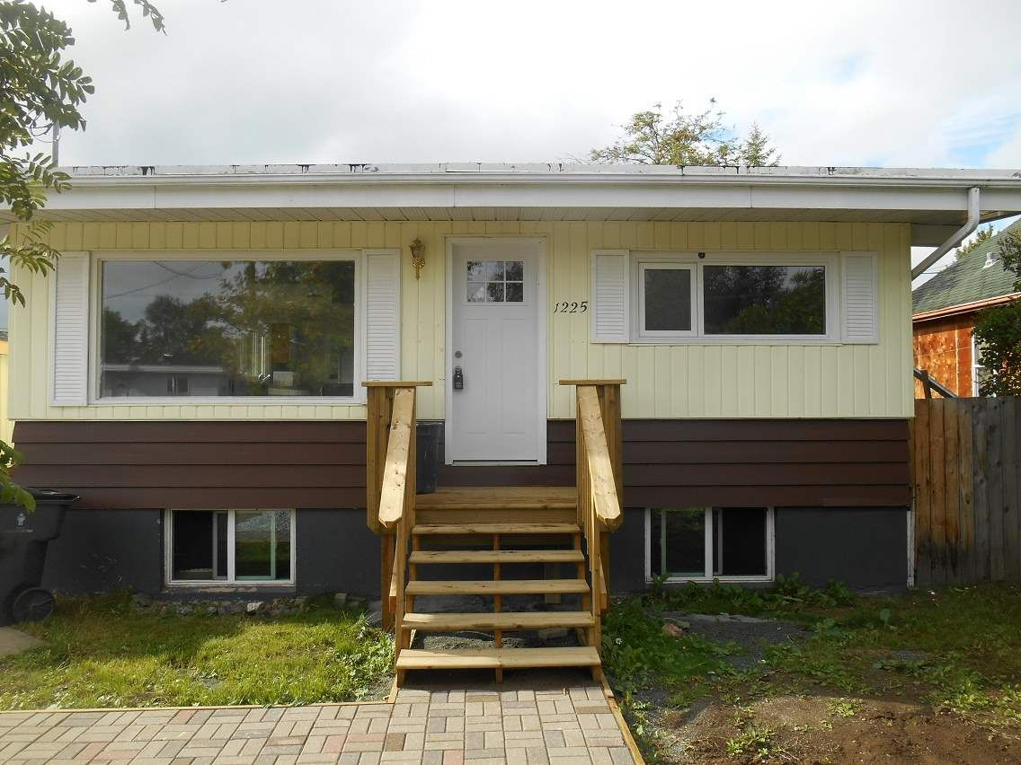 Photo 2: Photos: 1225 20TH Avenue in Prince George: Millar Addition House for sale (PG City Central (Zone 72))  : MLS®# R2098143