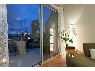 """Photo 5: 404 131 W 3RD Street in North Vancouver: Lower Lonsdale Condo for sale in """"Seascape Landing"""" : MLS®# V1044034"""