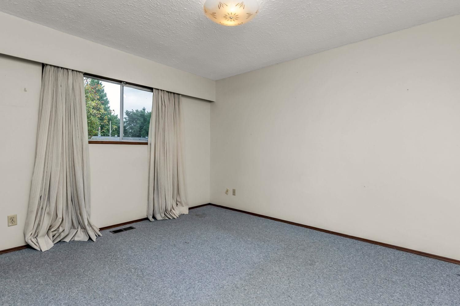 Photo 12: Photos: 2614 VALEMONT Crescent in Abbotsford: Abbotsford West House for sale : MLS®# R2611366