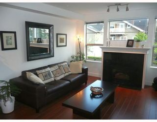 """Photo 5: 208 2490 W 2ND Avenue in Vancouver: Kitsilano Condo for sale in """"THE TRINITY"""" (Vancouver West)  : MLS®# V766577"""