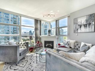 """Photo 3: 1301 189 NATIONAL Avenue in Vancouver: Downtown VE Condo for sale in """"SUSSEX"""" (Vancouver East)  : MLS®# R2590311"""