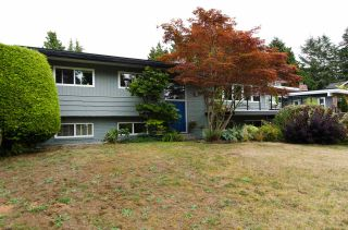 """Main Photo: 582 ENGLISH BLUFF Road in Delta: Pebble Hill House for sale in """"PEBBLE HILL"""" (Tsawwassen)  : MLS®# R2129741"""
