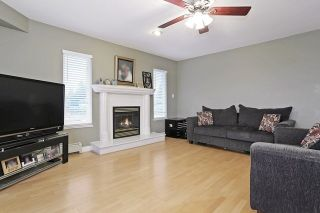 Photo 2: 17040 57 Avenue in Surrey: Cloverdale BC House for sale (Cloverdale)  : MLS®# R2037607
