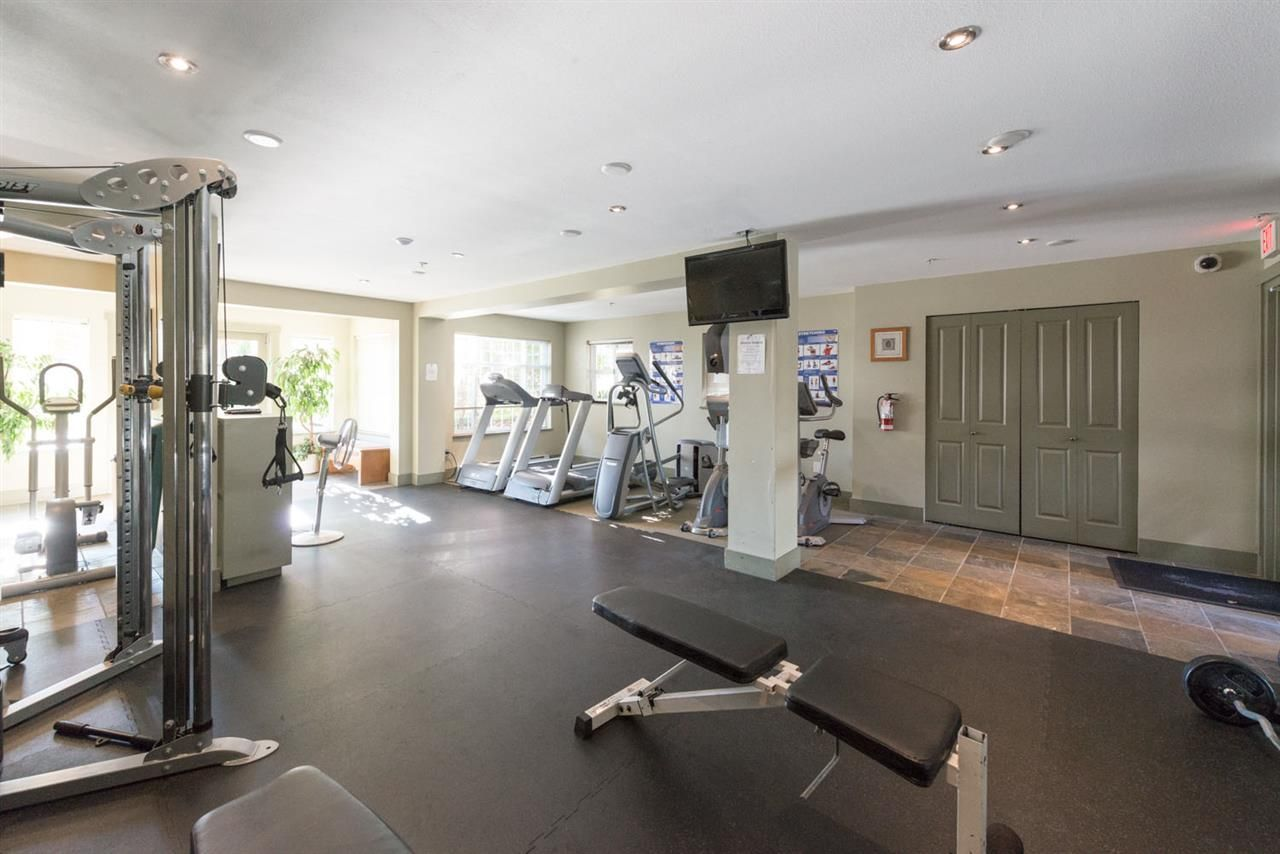 """Photo 17: Photos: 404 1438 PARKWAY Boulevard in Coquitlam: Westwood Plateau Condo for sale in """"MONTREUX"""" : MLS®# R2161413"""