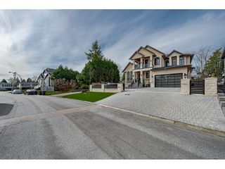 Photo 2: 9094 ALEXANDRIA Crescent in Surrey: Queen Mary Park Surrey House for sale : MLS®# R2551441