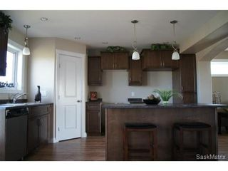 Photo 5: 211 Warwick Crescent: Warman Single Family Dwelling for sale (Saskatoon NW)  : MLS®# 434382