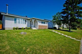 Photo 2: 5508 5 Avenue SE in Calgary: Penbrooke Meadows Detached for sale : MLS®# A1023147