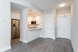 """Photo 2: 611A 2180 KELLY Avenue in Port Coquitlam: Central Pt Coquitlam Condo for sale in """"Montrose Square"""" : MLS®# R2624390"""