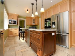 Photo 8: 2314 Greenlands Rd in VICTORIA: SE Arbutus House for sale (Saanich East)  : MLS®# 795675