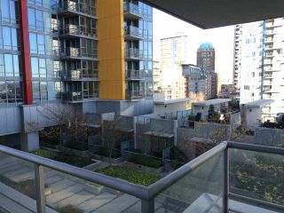 """Photo 9: 510 131 REGIMENT Square in Vancouver: Downtown VW Condo for sale in """"SPECTRUM 3"""" (Vancouver West)  : MLS®# R2016924"""