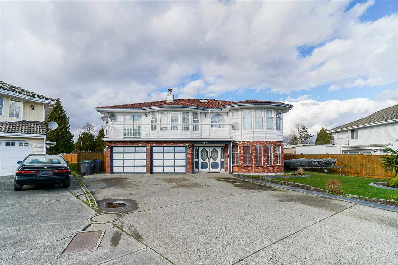 Main Photo: 7595 122A Street in Surrey: West Newton House for sale : MLS®# R2542758