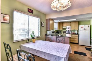 Photo 5: 204 13316 71B Avenue in Surrey: West Newton Townhouse for sale : MLS®# R2205560