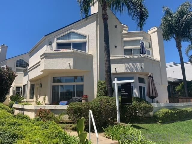 Main Photo: PACIFIC BEACH Townhouse for sale : 3 bedrooms : 4042 Morrell #C in San Diego