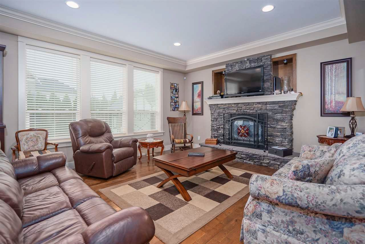 Photo 2: Photos: 8761 MACHELL Street in Mission: Mission BC House for sale : MLS®# R2571519
