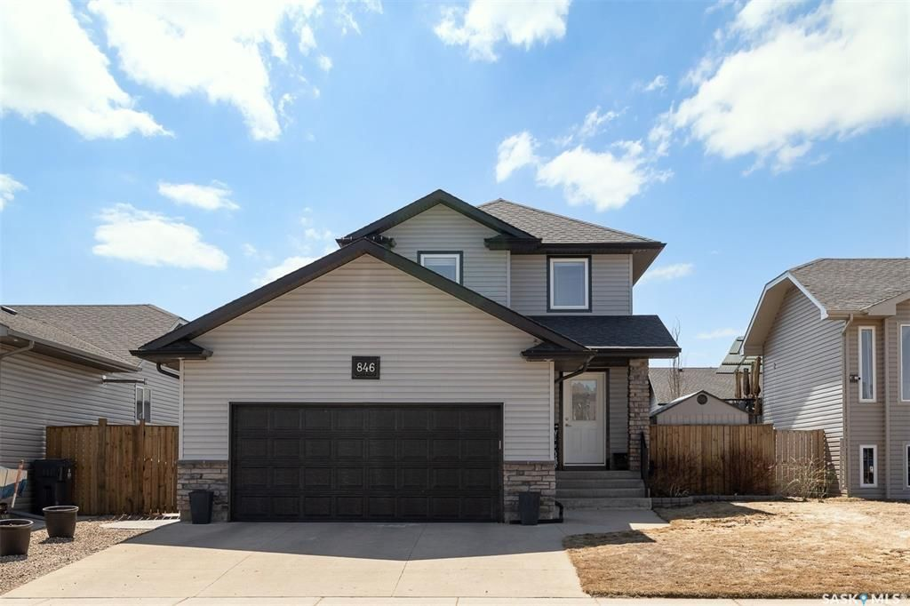 Main Photo: 846 4th Street South in Martensville: Residential for sale : MLS®# SK852111
