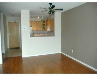 "Photo 3: 417 3122 ST JOHNS ST in Port Moody: Port Moody Centre Condo for sale in ""SONRISA"" : MLS®# V589277"