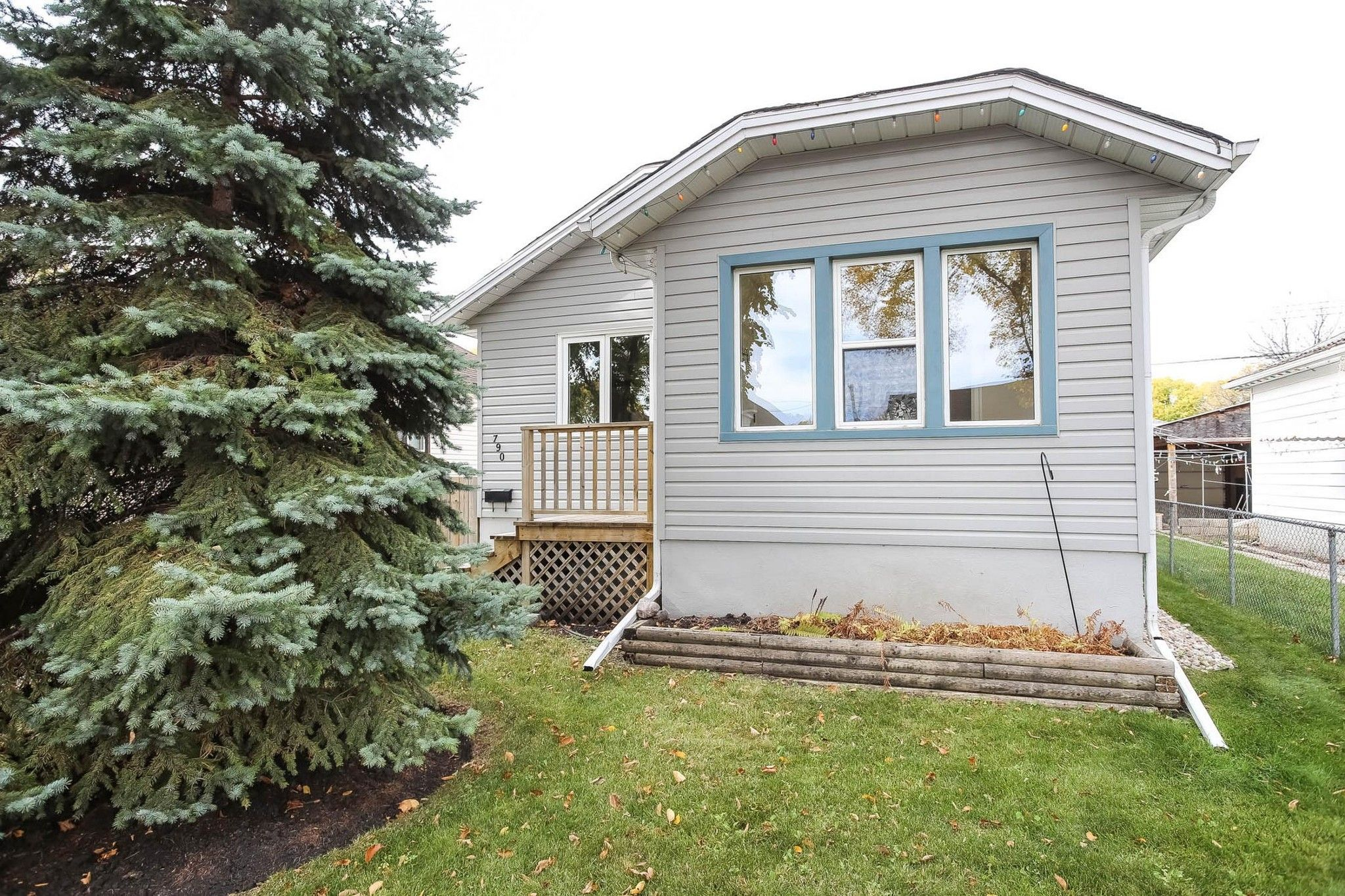 Photo 3: Photos: 790 Spruce Street in Winnipeg: West End Single Family Detached for sale (5C)  : MLS®# 202024710