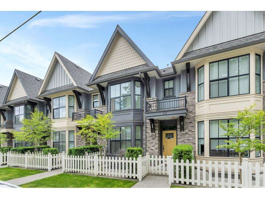"""Main Photo: 20 33460 LYNN Avenue in Abbotsford: Central Abbotsford Townhouse for sale in """"ASTON ROW"""" : MLS®# R2589433"""