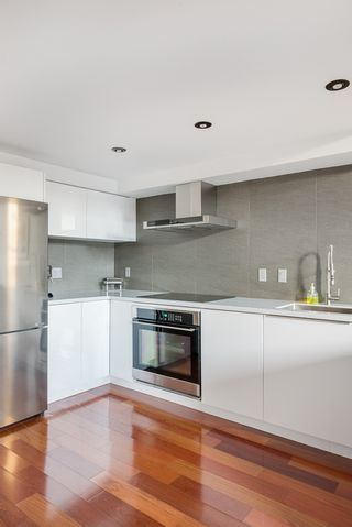 """Photo 7: 406 549 COLUMBIA Street in New Westminster: Downtown NW Condo for sale in """"C2C Lofts"""" : MLS®# R2568898"""