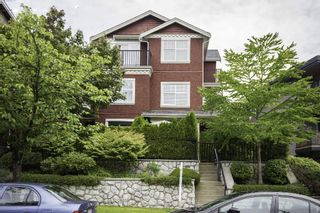 Photo 1: 47 E 13TH Avenue in Vancouver: Mount Pleasant VE Townhouse for sale (Vancouver East)  : MLS®# R2108656