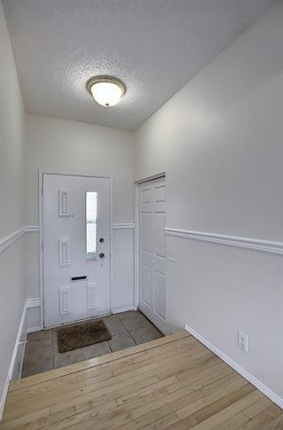 Photo 3: 451 Lysander Drive SE in Calgary: Ogden Detached for sale : MLS®# A1053955