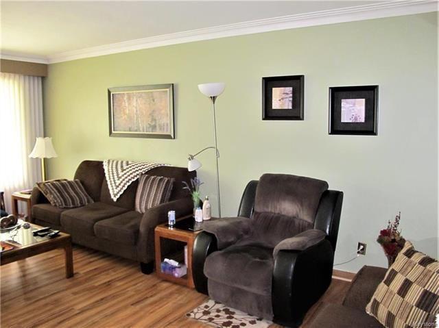 Photo 9: Photos:  in Winnipeg: East Kildonan Residential for sale (3D)  : MLS®# 1814608