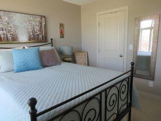 Photo 15: 1376 STARLING Drive in Edmonton: Zone 59 House Half Duplex for sale : MLS®# E4261958