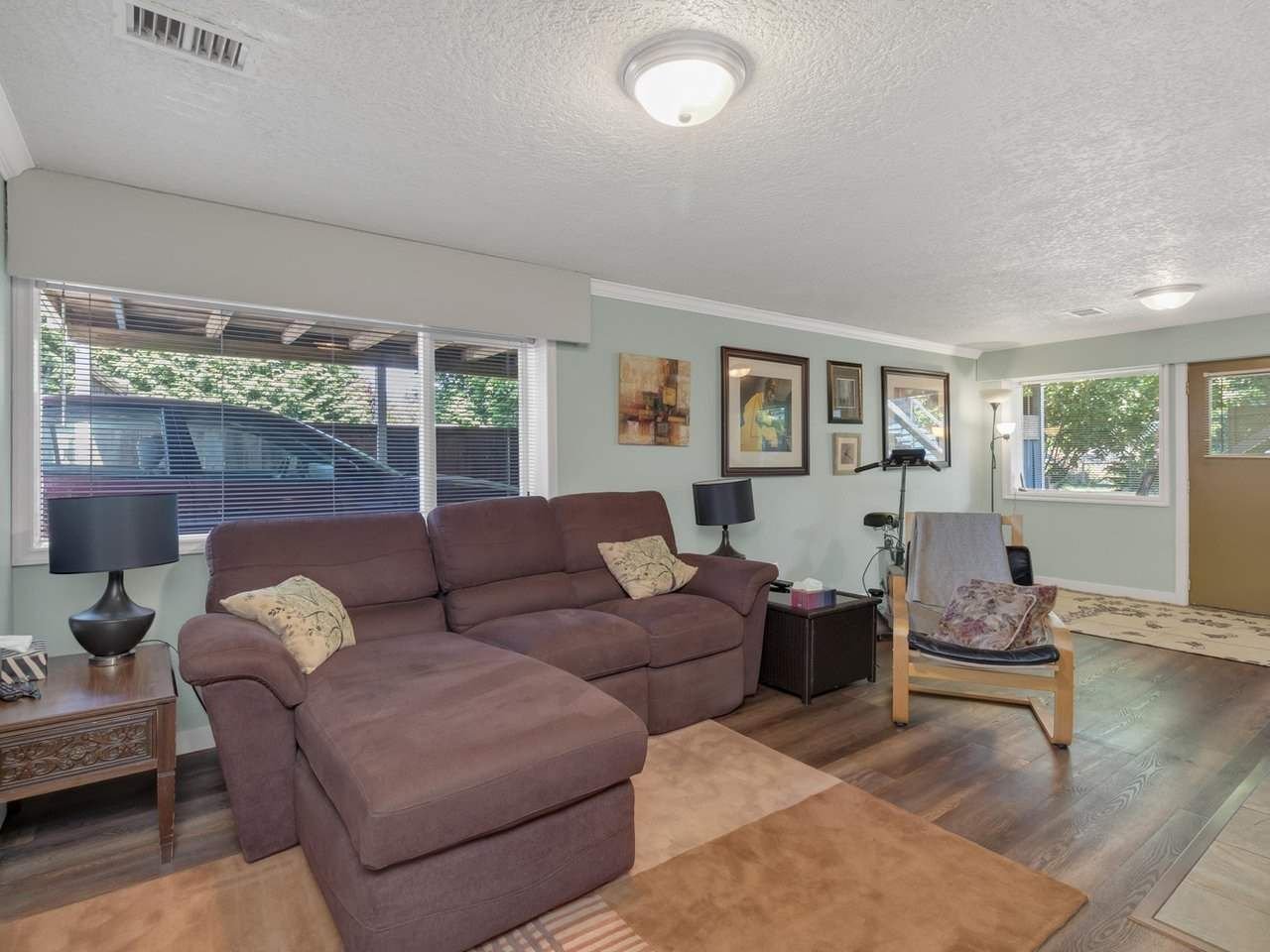 Photo 9: Photos: 943 GATENSBURY Street in Coquitlam: Harbour Chines House for sale : MLS®# R2499202