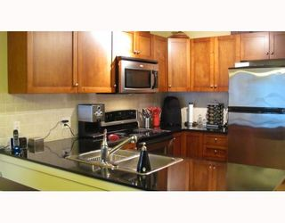 """Photo 7: 212 315 KNOX Street in New Westminster: Sapperton Condo for sale in """"SAN MARINO"""" : MLS®# V809268"""