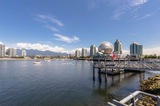 Photo 18: 204 38 W 1ST AVENUE in Vancouver: False Creek Condo for sale (Vancouver West)  : MLS®# R2430089