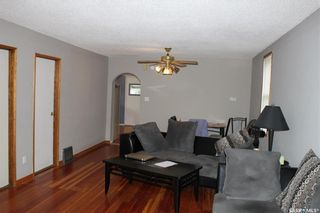 Photo 3: 134 109th Street West in Saskatoon: Sutherland Residential for sale : MLS®# SK844291