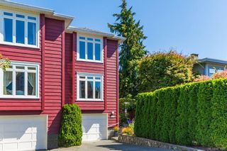 Photo 1: 217 RUSSELL St in : VW Victoria West Half Duplex for sale (Victoria West)  : MLS®# 871662