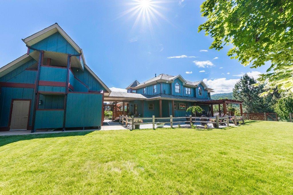 Photo 11: Photos: 4170 Seddon Rd in Kelowna: Sounth East Kelowna House for sale : MLS®# 10135953