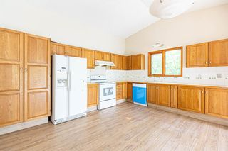 Photo 11: 331 Edgehill Drive NW in Calgary: Edgemont Detached for sale : MLS®# A1140206
