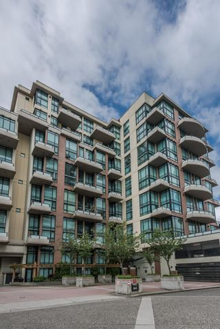 """Photo 1: 509 10 RENAISSANCE Square in New Westminster: Quay Condo for sale in """"MURANO LOFTS"""" : MLS®# R2177517"""