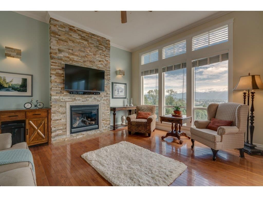"""Main Photo: 93 8590 SUNRISE Drive in Chilliwack: Chilliwack Mountain Townhouse for sale in """"MAPLE HILLS"""" : MLS®# R2284999"""