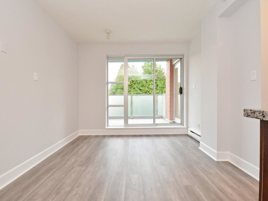 """Photo 18: Photos: 403 3811 HASTINGS Street in Burnaby: Vancouver Heights Condo for sale in """"MONDEO"""" (Burnaby North)  : MLS®# R2119090"""