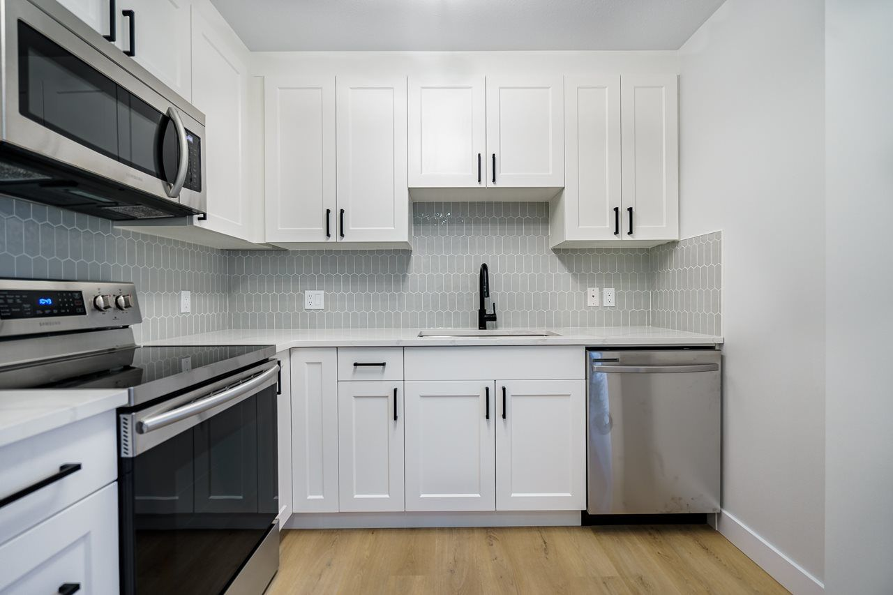 """Main Photo: 201 3638 RAE Avenue in Vancouver: Collingwood VE Condo for sale in """"RAINTREE GARDENS"""" (Vancouver East)  : MLS®# R2537788"""