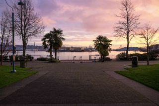 """Photo 18: 216 1150 QUAYSIDE Drive in New Westminster: Quay Condo for sale in """"WESTPORT"""" : MLS®# R2207290"""