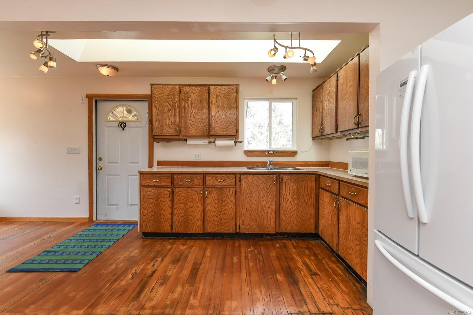 Photo 9: Photos: 4712 Cumberland Rd in : CV Cumberland House for sale (Comox Valley)  : MLS®# 869654