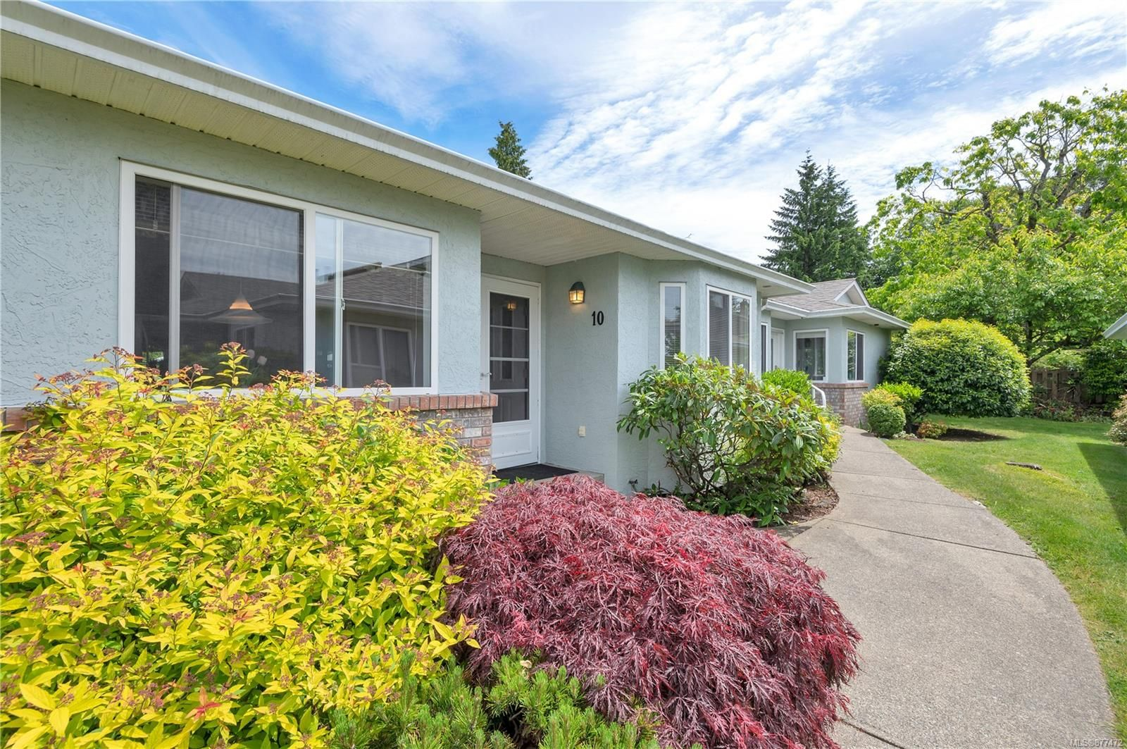 Main Photo: 10 595 Evergreen Rd in : CR Campbell River Central Row/Townhouse for sale (Campbell River)  : MLS®# 877472