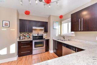 Photo 5: 402 2710 Grosvenor Rd in VICTORIA: Vi Oaklands Condo for sale (Victoria)  : MLS®# 780545