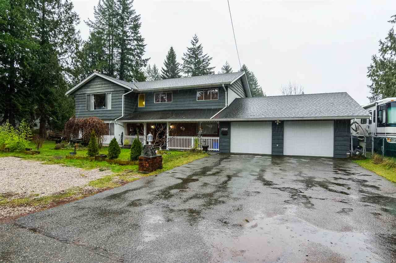 Main Photo: 19768 46 Avenue in Langley: Langley City House for sale : MLS®# R2235644