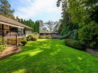 Photo 5: 3112 Wessex Close in : OB Henderson House for sale (Oak Bay)  : MLS®# 856600