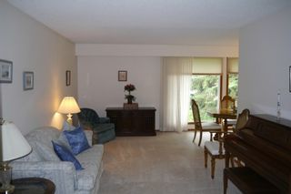 Photo 3: 5 Petersfield Place in Winnipeg: Single Family Detached for sale