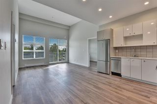 """Photo 2: 512 10838 WHALLEY Boulevard in Surrey: Bolivar Heights Condo for sale in """"The Maverick"""" (North Surrey)  : MLS®# R2583734"""