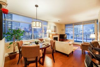 "Photo 8: 702 158 W 13TH Street in North Vancouver: Central Lonsdale Condo for sale in ""Vista Place"" : MLS®# R2342022"
